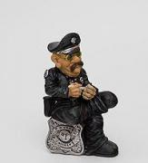 Полицейский на службе