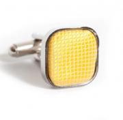 Квадратные запонки с желтой подушечкой