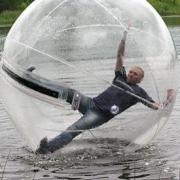 Экстрим на водном шаре